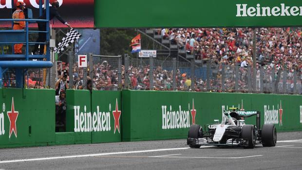 Nico Rosberg, settima vittoria stagionale.
